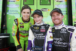 Danica Patrick, Stewart-Haas Racing Chevrolet and Brian Vickers, Joe Gibbs Toyota
