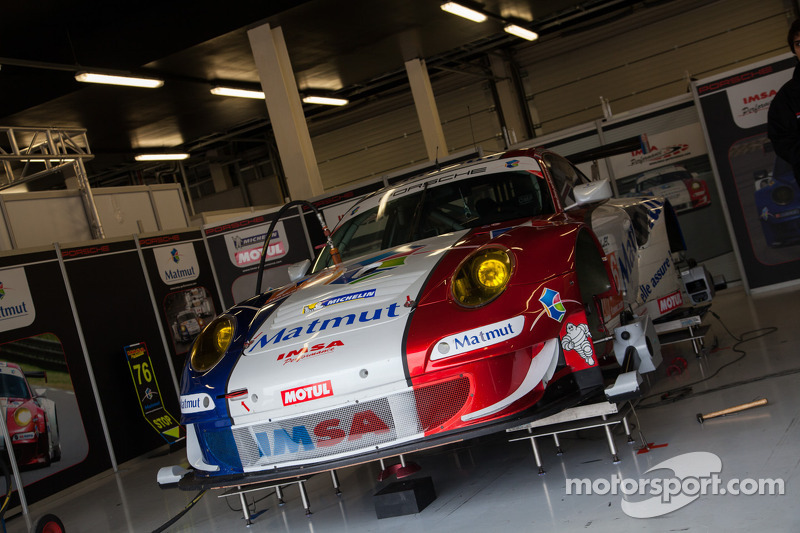 IMSA Matmut Porsche in the garage