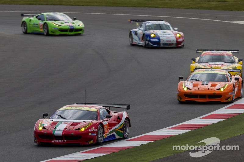 GT action at the start of the 6 Hours of Silverstone