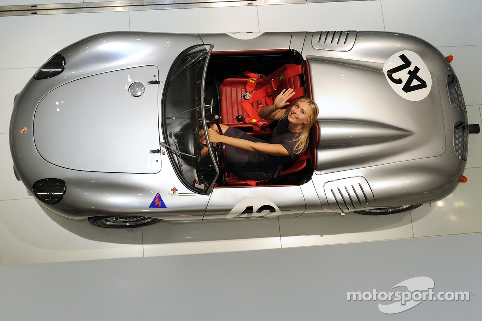 Maria Sharapova becomes Porsche representative
