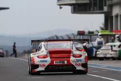 #30 Frikadelli Racing Team, Porsche 911 GT3 R: Klaus Abbelen, Sabine Schmitz, Patrick Huisman, Patrick Pilet