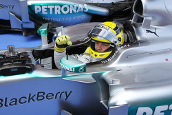 Nico Rosberg, Mercedes AMG F1 W04 celebrates his pole position in parc ferme