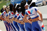 grid-girls-1880