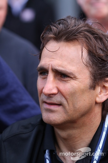 Alex Zanardi returns to Indianapolis