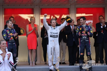 The podium, Red Bull Racing, second; Nico Rosberg, Mercedes AMG F1, race winner; Mark Webber, Red Bull Racing, third