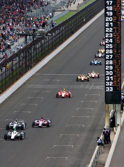 Ed Carpenter, Ed Carpenter Racing Chevrolet leads the first lap