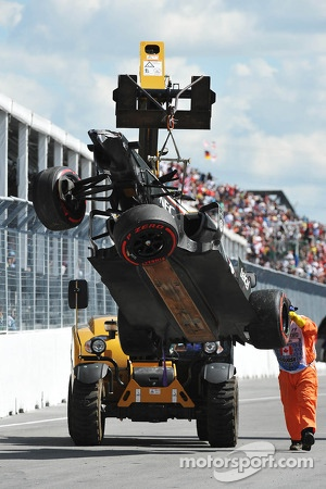The damaged car of Esteban Gutierrez, Sauber C32