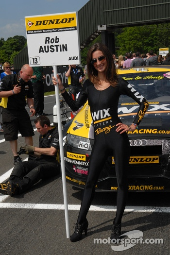 Wix Racing Grid Girl to Rob Austin
