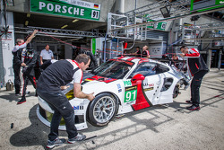 #91 Porsche AG Team Manthey Porsche 991 RSR