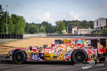 Spin for #45 OAK Racing Morgan LMP2 Nissan: Jacques Nicolet, Jean-Marc Merlin, Philippe Mondolot