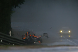 #40 Boutsen Ginion Racing Oreca 03 Nissan: Thomas Dagoneau, Rodin Younessi, Matt Downs crashes heavily