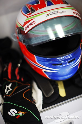 The helmet and race gloves of Paul di Resta, Sahara Force India F1