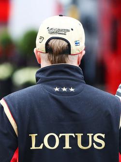New haircut for Kimi Raikkonen, Lotus F1 Team