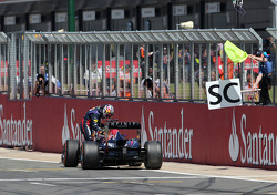 Sebastian Vettel, Red Bull Racing stopped on track