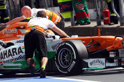 Adrian Sutil, Sahara Force India VJM06 pushed back in the pits