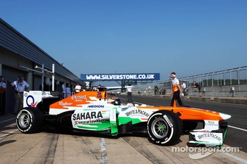 James Calado, Sahara Force India VJM06 Test Driver leaves the pits