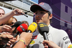 F1: Carlos Sainz Jr., Red Bull Racing Test Driver with the media