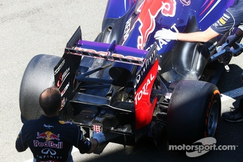 Sebastian Vettel, Red Bull Racing RB9 rear wing
