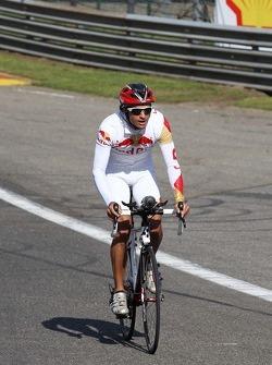 Carlos Sainz Jnr, GP3 Driver rides the circuit.