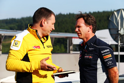 (L to R): Rob White, Renault Sport Deputy Managing Director, with Christian Horner, Red Bull Racing Team Principal