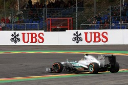 Lewis Hamilton, Mercedes AMG F1 W04 spins at the chicane