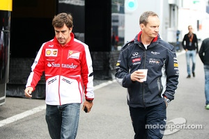 Fernando Alonso, Ferrari with Paul Monaghan, Red Bull Racing Chief Engineer
