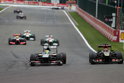 Esteban Gutierrez, Sauber F1 Team and Kimi Raikkonen, Lotus F1 Team