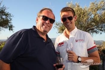 Happy Hour, Tom Chilton, Chevrolet Cruze 1.6 T, RML with his father