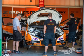 Honda Civic WTCC in the garage