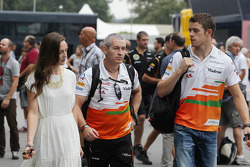 Paul di Resta, Sahara Force India F1 with girlfriend Laura Jordan, and Gerry Convy, Personal Trainer