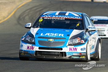 Alex MacDowall, Chevrolet Cruze 1.6T, Bamboo-Engineering