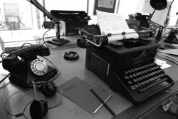 Vintage press center
