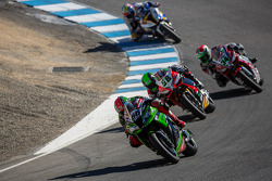 Tom Sykes leading the race