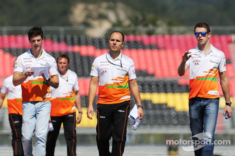 (L to R): James Calado, Sahara Force India Third Driver walks the circuit with Gianpiero Lambiase, Sahara Force India F1 Engineer and Paul di Resta, Sahara Force India F1