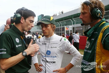 Charles Pic, Caterham on the grid
