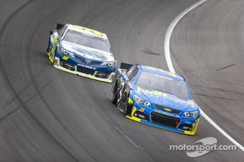 Ryan Newman, Stewart-Haas Racing Chevrolet in trouble