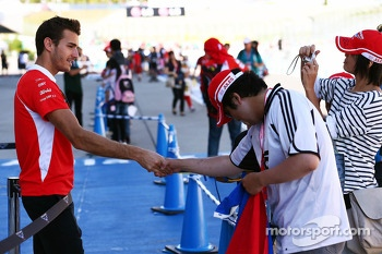 Jules Bianchi, Marussia F1 Team with fans in the pits