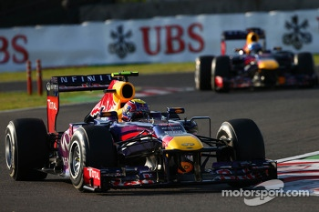 Mark Webber, Red Bull Racing RB9 leads Sebastian Vettel, Red Bull Racing RB9