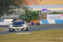 #92 AAI-Rstrada McLaren MP4-12C GT3: Morris Chen, Marco Seefried, Yasu Kikuchi
