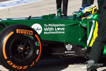 Charles Pic, Caterham CT03 with a tribute to the victims of the Philippines typhoon