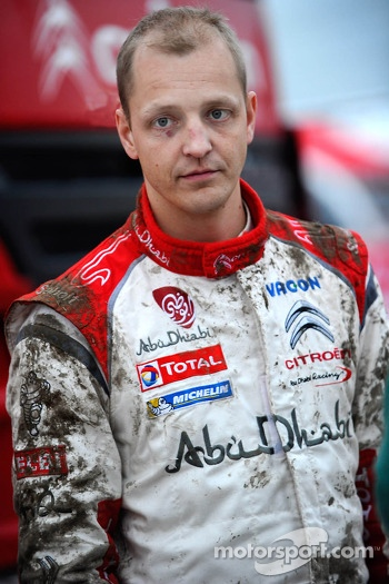Mud on Mikko Hirvonen