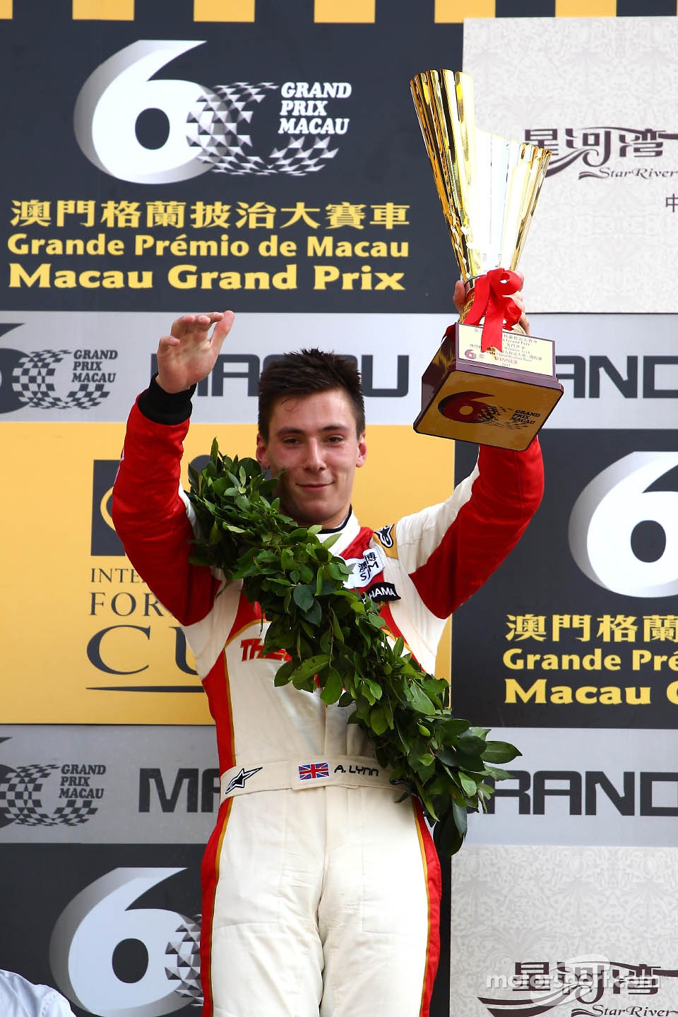 Lynn triumphs in tense Macau Grand Prix