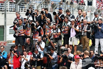 Photographers at the drivers end of season photograph
