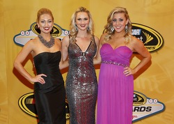 Miss Sprint Cup Brooke Werner, Kim Coon and Jaclyn Roney arrive on the red carpet