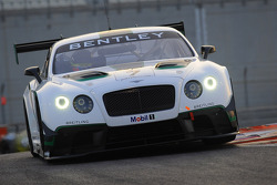 #7 M-Sport Bentley Continental GT3: Guy Smith, Steven Kane, Andy Meyrick