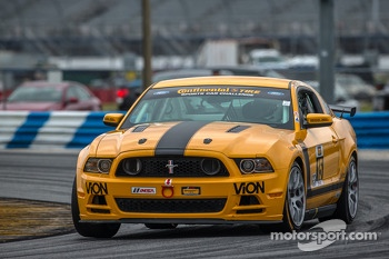 #15 Multimatic Motorsports Mustang Boss 302 R: Scott Maxwell, Jade Buford