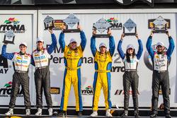 GS podium: race winners Bill Auberlen and Paul Dalla Lana, second place Shelby Blackstock and Ashley Freiberg, third place Trent Hindman and John Edwards