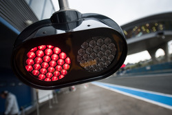 Pit stop system red light