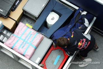 Red Bull Racing pack up midway through the final day of testing