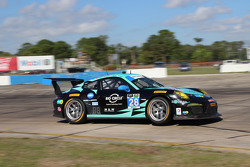 #28 Dempsey Racing Porsche 911 GT America: Christian Engelhart, Rolf Ineichen, Franz Konrad